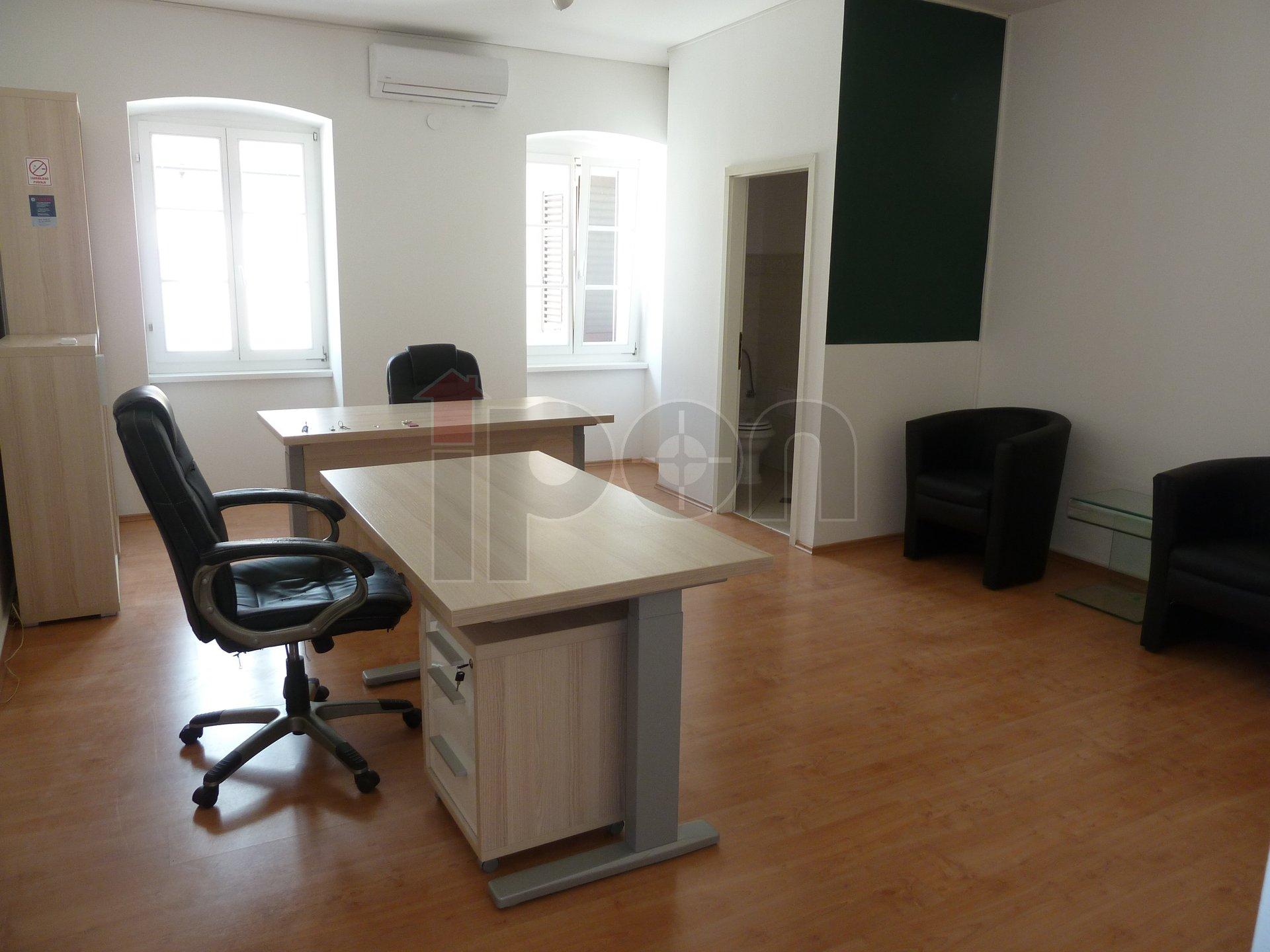 Centar, lijep poslovni prostor pogodan za ured
