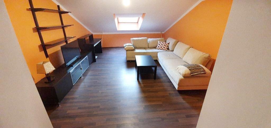 CENTAR, 66 m2, 380 eur