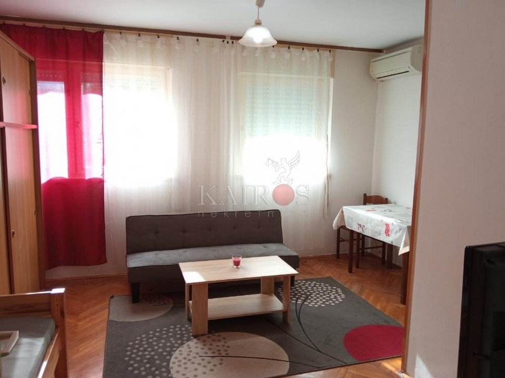 NN ŠKURINJE, 30 m2, uređen, 200 €