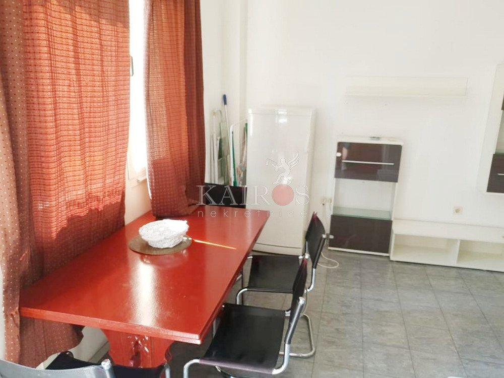 CENTAR, 37.85 m2, 1s, 300€