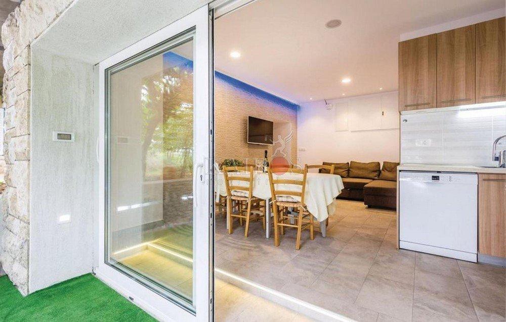 BIVIO, 50 m2, 2S+DB, terasa, parking, plaža