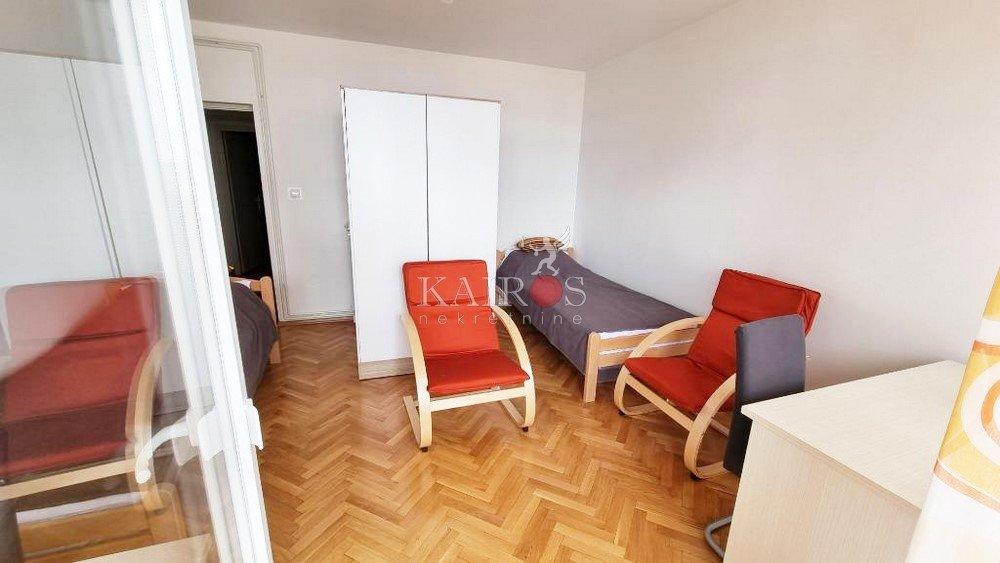 KRIMEJA, soba s 2 kreveta za 300€/mj (režije uključene)